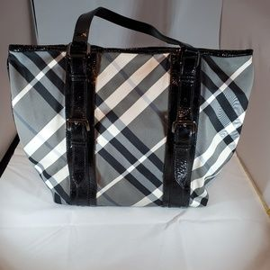 Burberry large gray black Lowry check tote & shou
